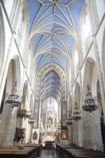 Interiér kostola sv. Petra a Pavla